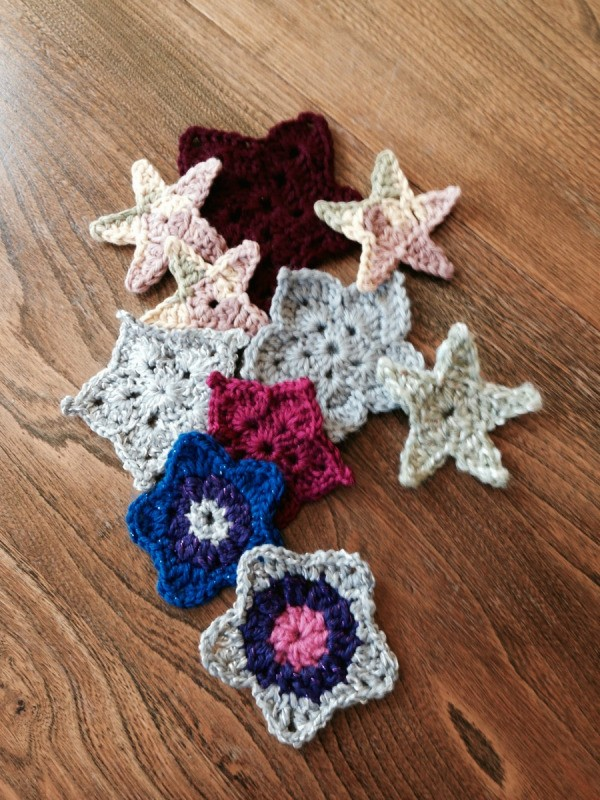 Stitches: Crochet Multi colored star blanket