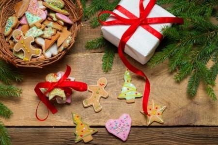 preparing gingerbread cookies as a gift
