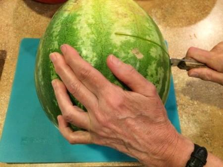 cut melon in half 1