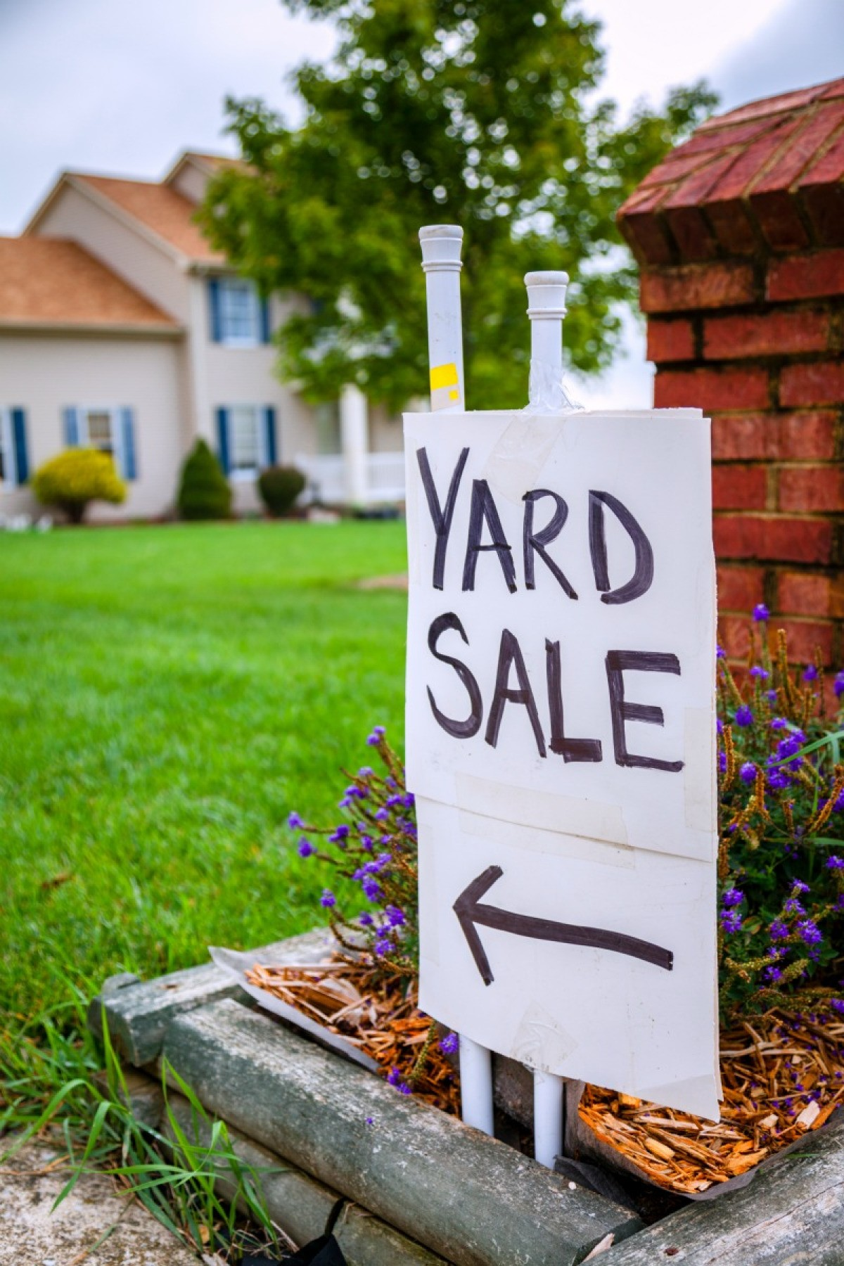 Selling At Yard Sales Vs Online Auctions
