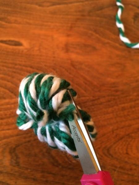 cut yarn loops 1