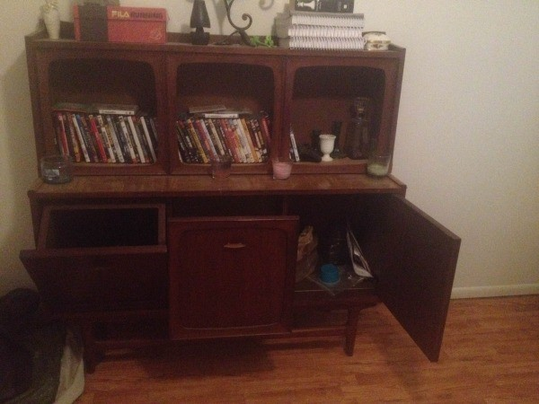 How much is this particular piece worth? open cabinet ... - Finding The Value Of Antique Record Players ThriftyFun