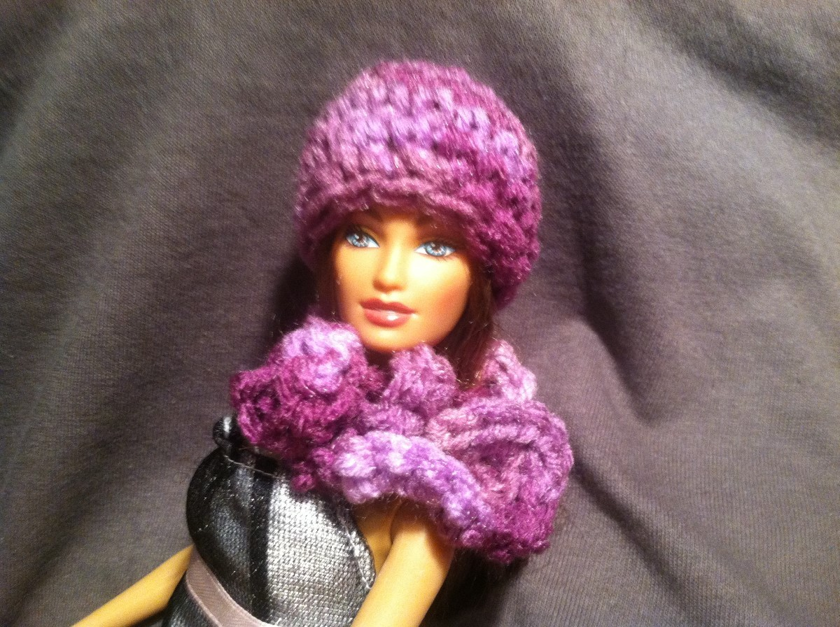 Making a Crochet Barbie Hat and Scarf  d092250b37d