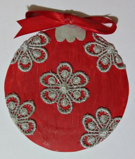 finished bauble with bow