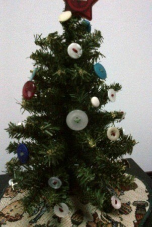 button decorated tree