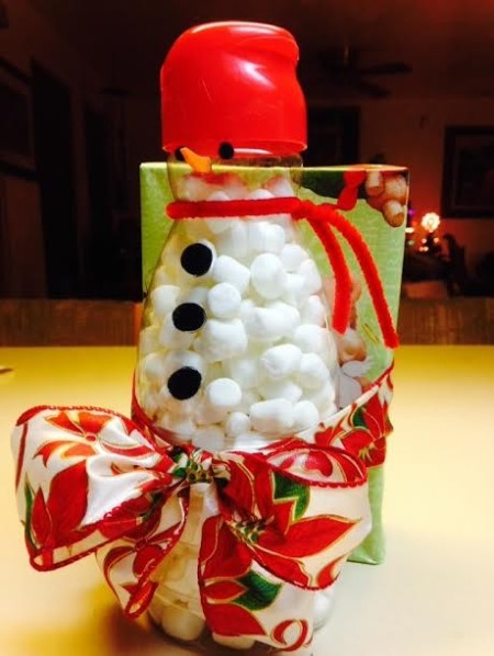 finished snowman hot chocolate gift