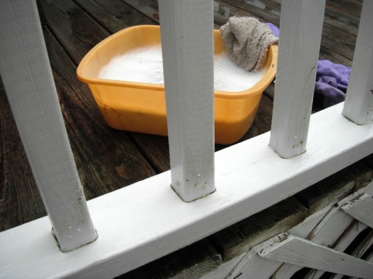 Cleaning Mildew Off Vinyl Deck Railings Thriftyfun