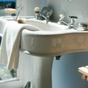 porcelain pedestal sink