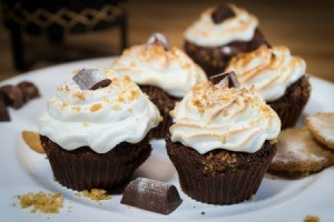 Cupcakes with Marshmallow Frosting