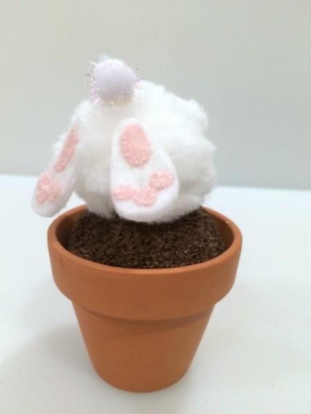 glue bunny to pot