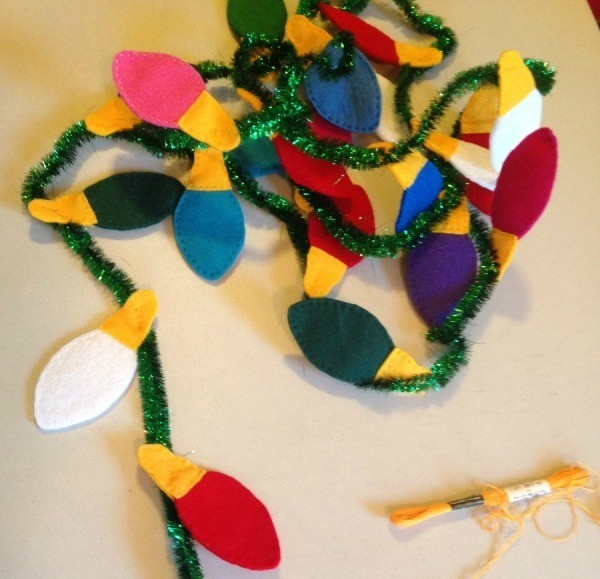 Making A Felt Christmas Garland Thriftyfun