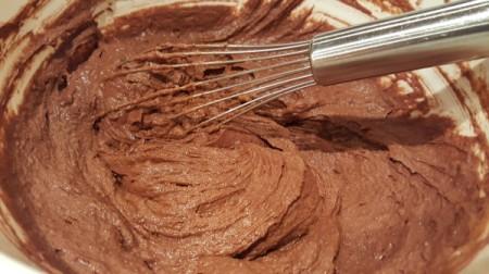 mixing cake