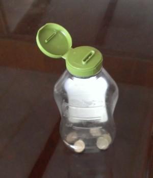 mayo jar with dimes inside