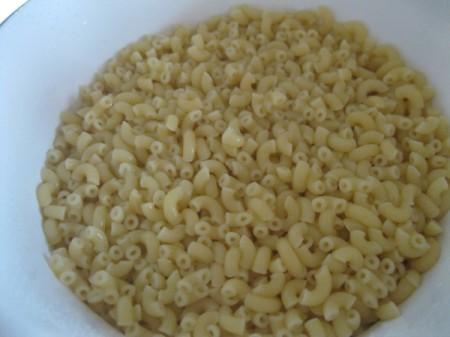 cooked macaroni