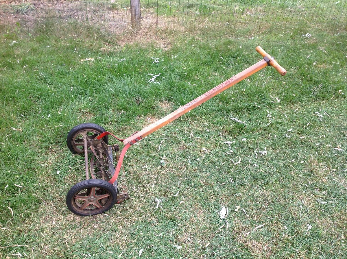 Determining the Value of Old Reel Mowers | ThriftyFun