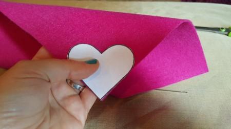 Felt Heart Bookmark - placing the template against the felt