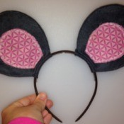 Making Felt Mouse Ears