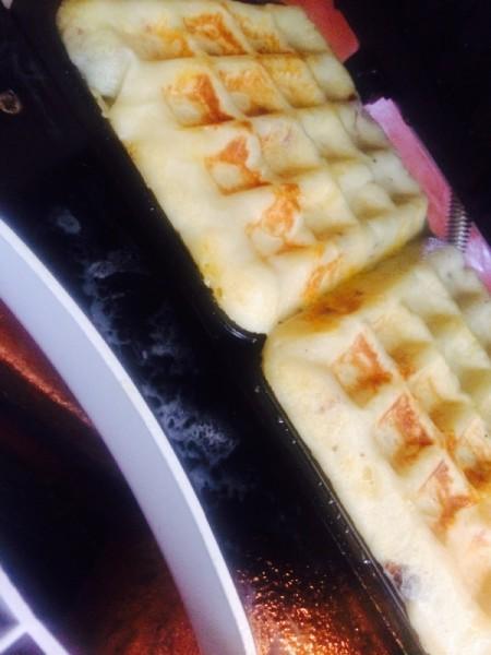 Leftover Mashed Potato Waffles