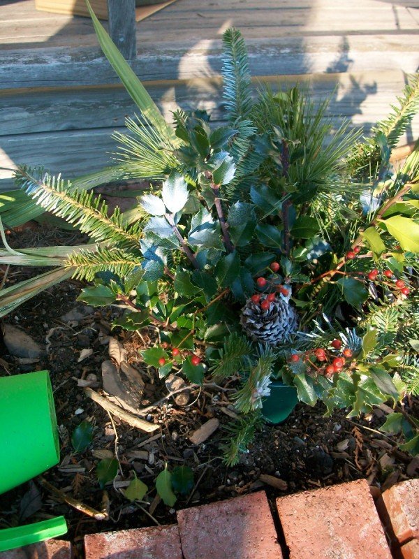 gravesite decoration ideas thriftyfun - Christmas Grave Decorations
