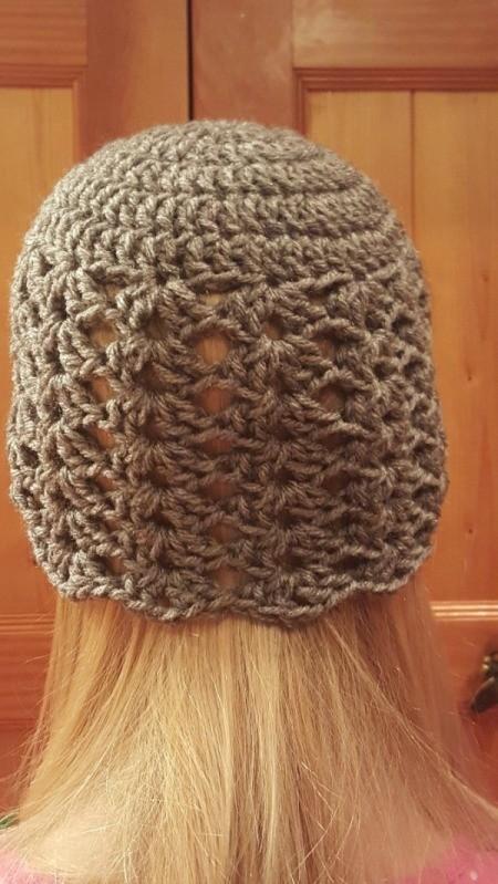 Girl's Fan Patterned Crochet Hat