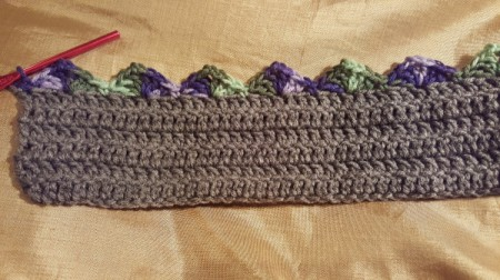 Scalloped Children's Crochet Scarf - add new color and begin making scallops