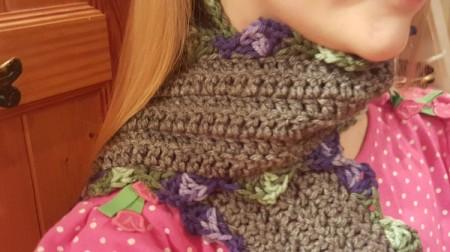 Scalloped Children's Crochet Scarf - closeup of scarf around girl's neck