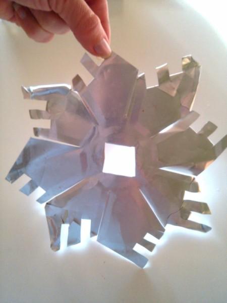 Aluminum Pie Pan Snowflake