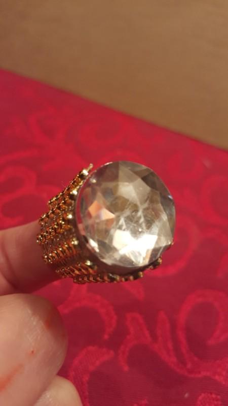 Bottle Top Thimble - closeup of gem on thimble
