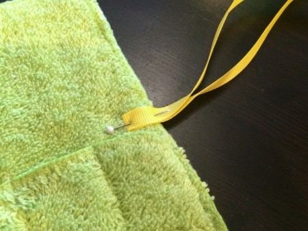 Washcloth Travel Toothbrush Holder - cut narrow ribbon for tie and fold in half pin above the pockets