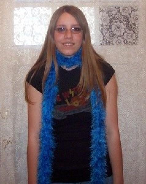 A long blue scarf.