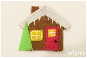 Making a Felt Gingerbread House Ornament