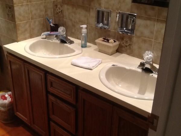 bathroom paint. Bathroom Paint and Carpet Color Advice  ThriftyFun