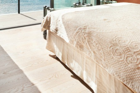 Queen Bed with Dust Ruffle