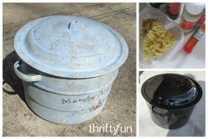 Giving a Metal Pot an Aged Look With Paint