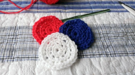 Floral Patriotic Wall Hangings from Serving Trays