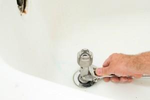 Using a Tub Drain Remover