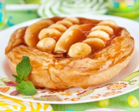Banana peanut butter tart
