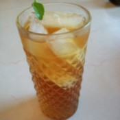 A glass of iced tea with stevia.