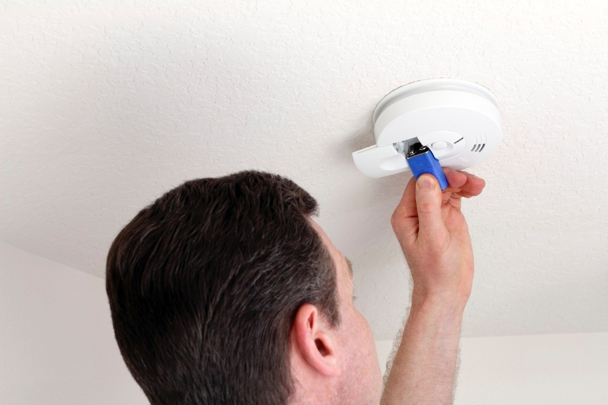 Electric Smoke Detector Won T Stop Beeping Thriftyfun