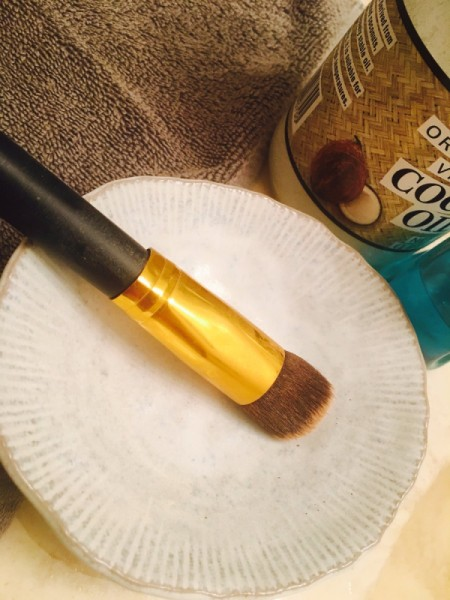 Homemade Makeup Brush Cleaner Solution