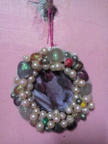 beaded wall photo frameand Bracelets