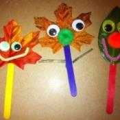 3 leaf puppets
