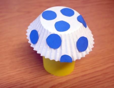 yellow paper tube and blue polka dot mushroom kid craft