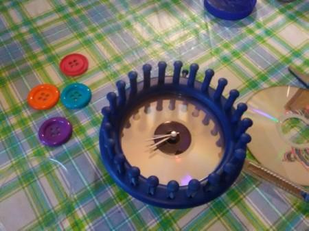 Niffty Knitter Clock