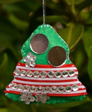 felt tree shaped Christmas ornamentornament