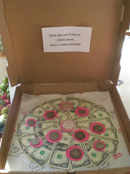 cash pepperoni pizza gift box