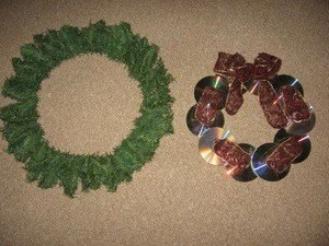 Making a CD Christmas Wreath