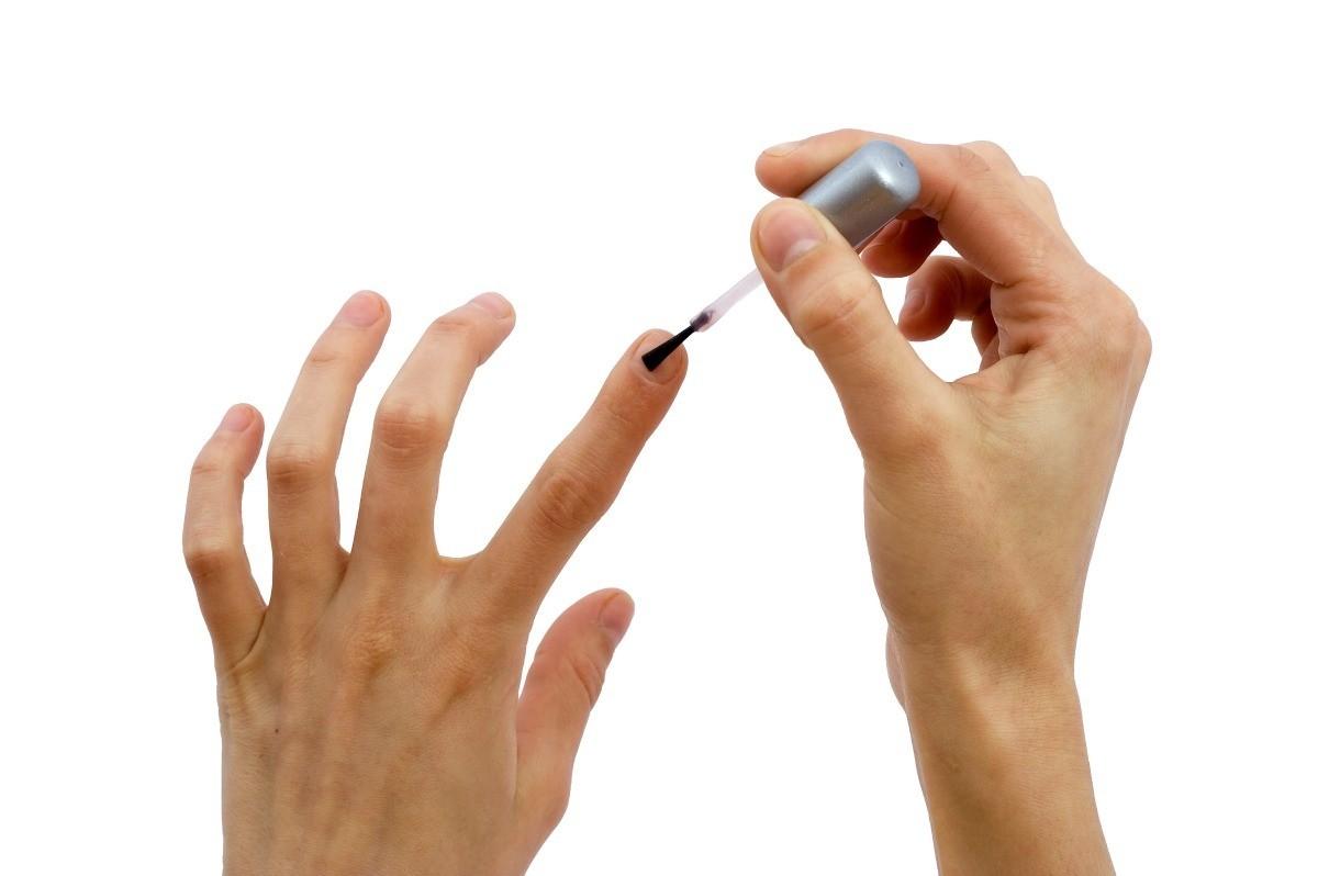 using white iodine for weak fingernails