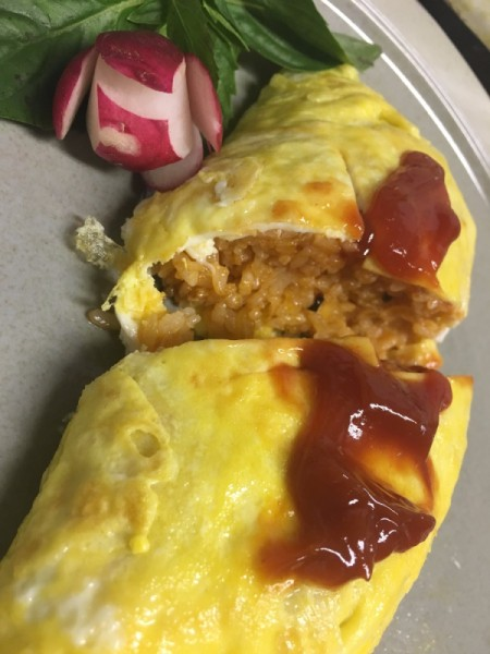 added catsup to scored omuriceon plate