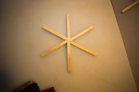 Popsicle sticks as a center starburst.